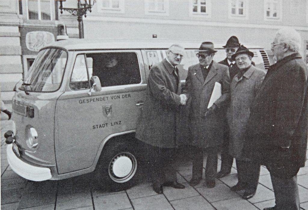 Erstes Tierrettungs Fahrzeug